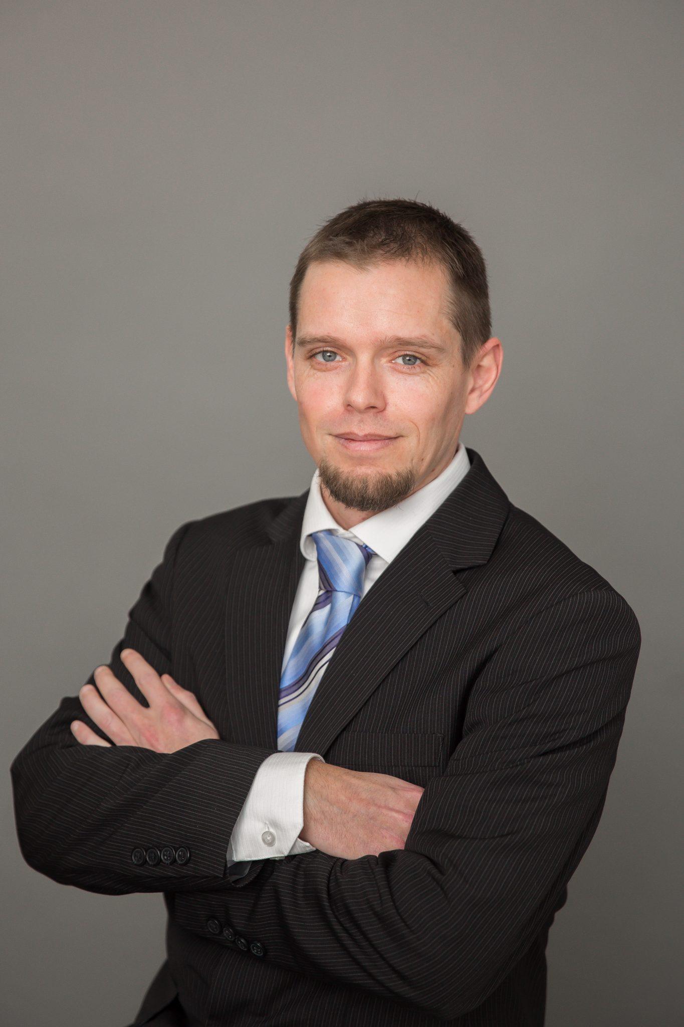 Damien Attoe